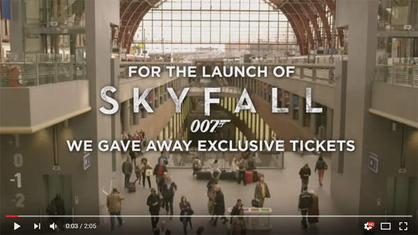 Coca-Cola and 007 Skyfall, Advertising Event in Mall on YouTube